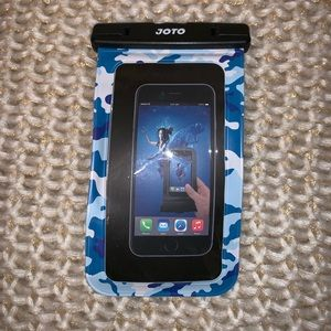 Accessories - Waterproof phone case with lanyard